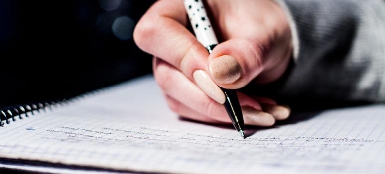 Presentar el CV en mano